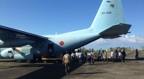 日本テレビ ZIP! 【自衛隊 台風30号の被災地へ援助物資の空輸を開始】
